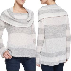 FREE PEOPLE fold over cowl neckline sweater. 🦙